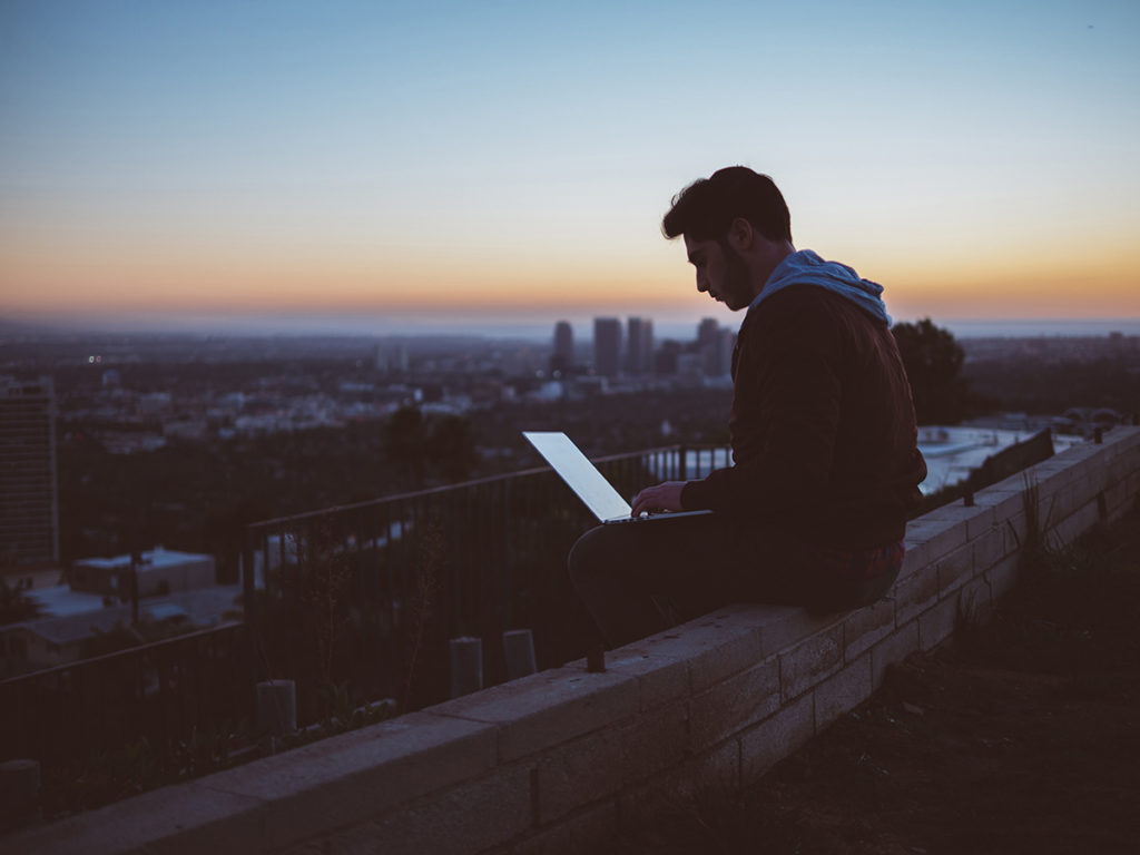 Using-laptop-on-roof_small_RGB-1024x768